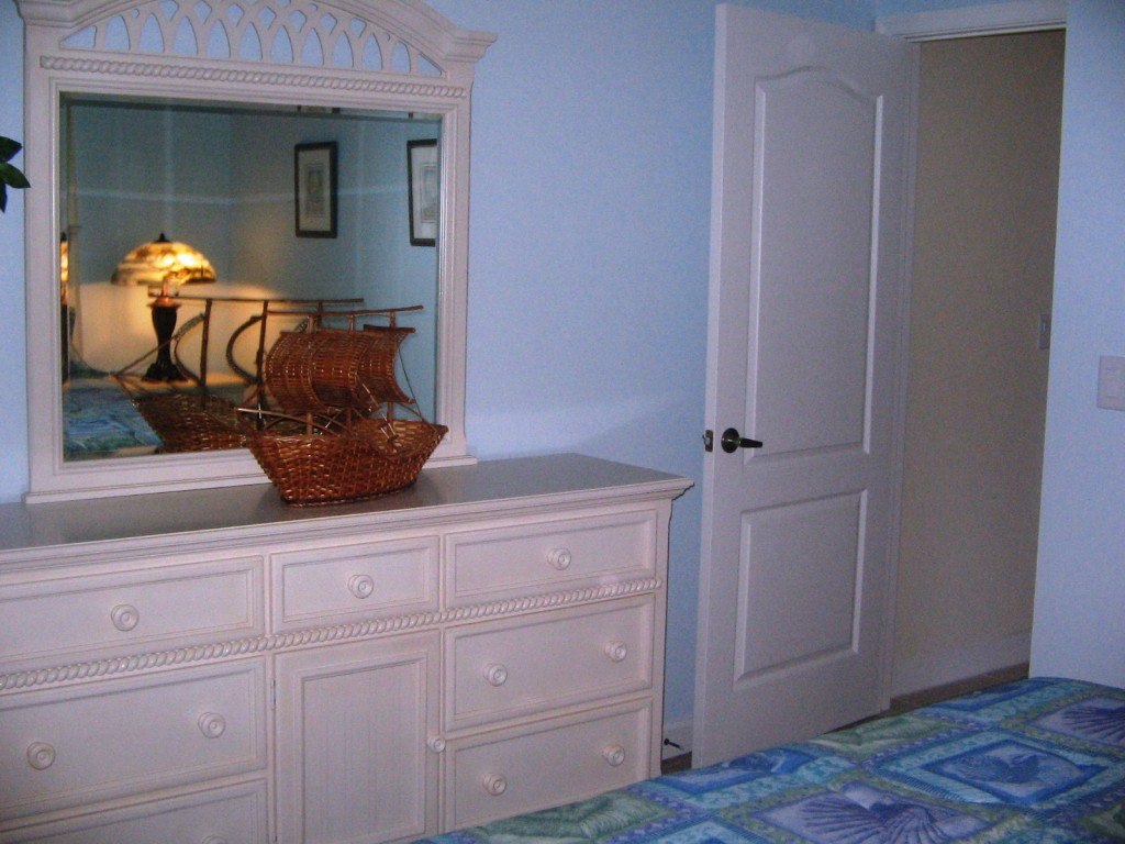 9-2guestbed1